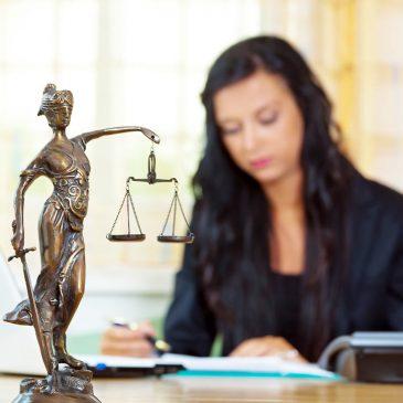 Comment devenir directeur des services de greffe judiciaires?